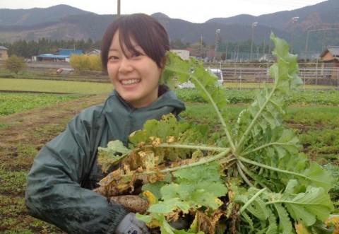 農作業中のあきのちゃん