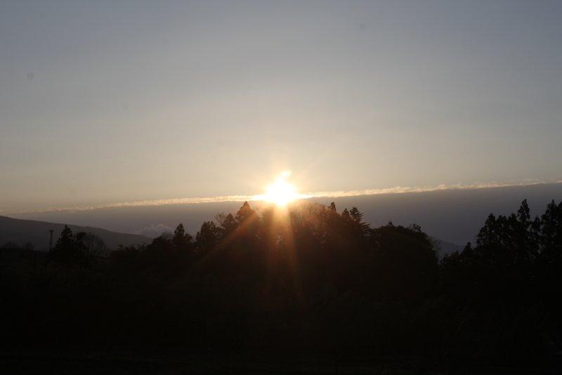 3月21日 太陽が真東から昇る春分の日の朝日