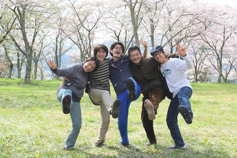 自然療法プログラム卒業生と木の花のメンバーたち