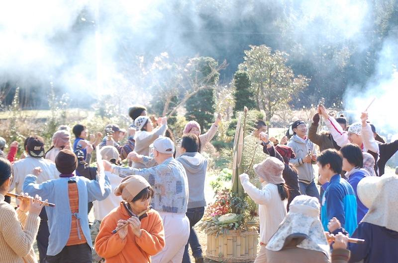 皆で富士浅間木の花祭りの舞を踊りました